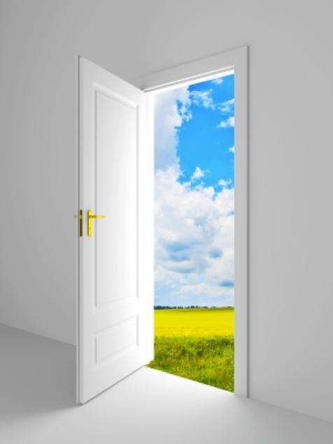 фото двери открытой
